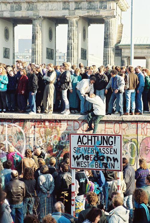 4._1989年11月柏林墙_BerlinWall-BrandenburgGate